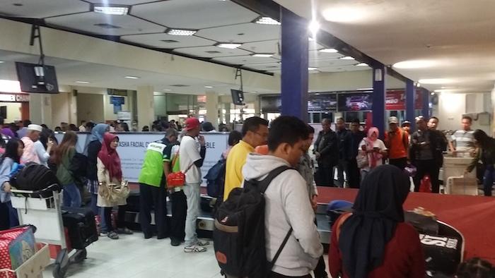 18 balai kedatangan jogja airport baggage