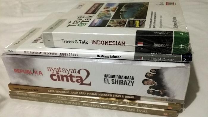buku emas ayat ayat cinta 2 dan bahasa indonesi dari gramedia 02